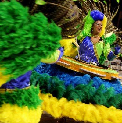 Impressive_shot_Brazil_Casa_Verde_Parade_Marcelo_Justo_2008_1